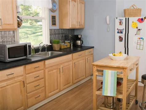 kitchen remodels with oak cabinets