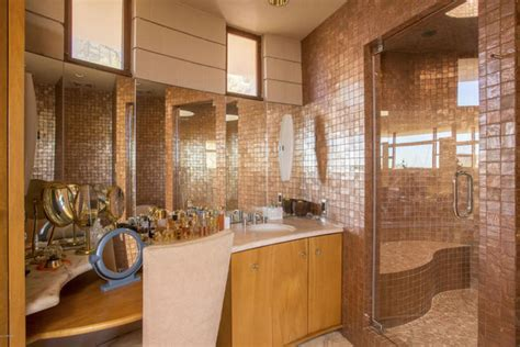 lloyds bathrooms the last home frank lloyd wright designed is for sale