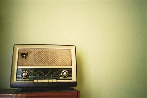 More Retro Radio Goodness From Eton by Vintage Radio ヴィンテージ壁紙 Vintage Wallpaper