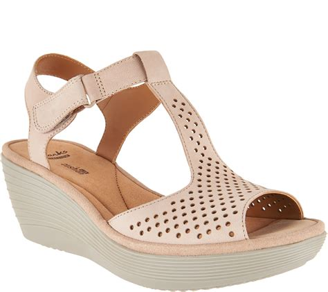 clarks wedges sandals clarks leather t wedge sandals reedly waylin