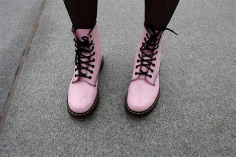 light pink doc martens shoes soes pung pastel black dc martens pink doc