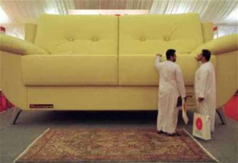 worlds largest couch the biggest couch in the world picture ebaum s world