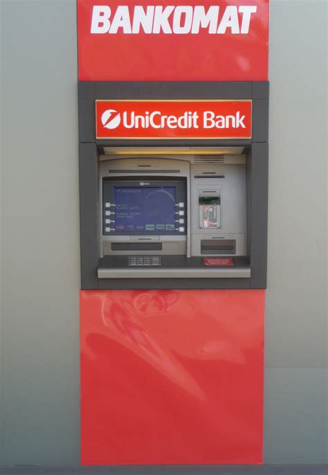 unicredit bank banking file unicredit bank spielberk office centre 2 jpg
