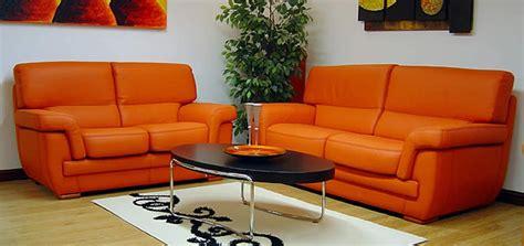 divani arancioni come pulire un divano in pelle colorata soluzioni di casa