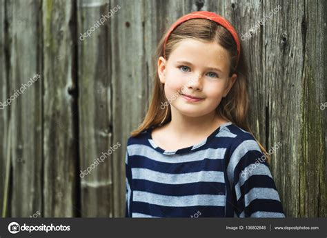 cute 9 old girl outdoor portrait of cute little 8 9 year old girl with