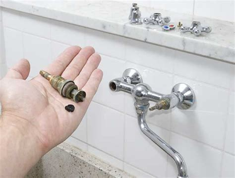 come smontare un rubinetto miscelatore come smontare un rubinetto a muro e sostituirlo con uno nuovo