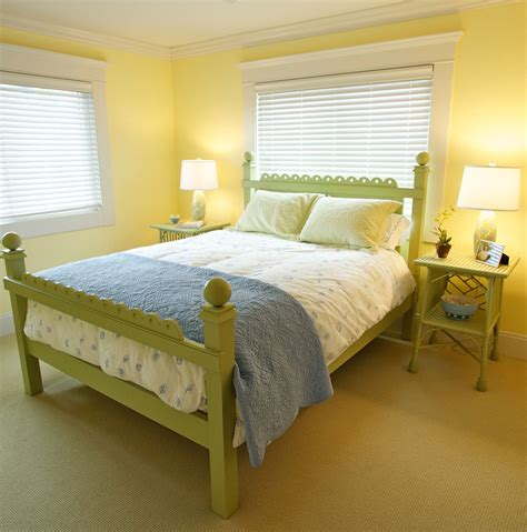 Yellow Decorations For Bedroom by Green And Yellow Bedroom Ideas Home Design Decorating Ideas