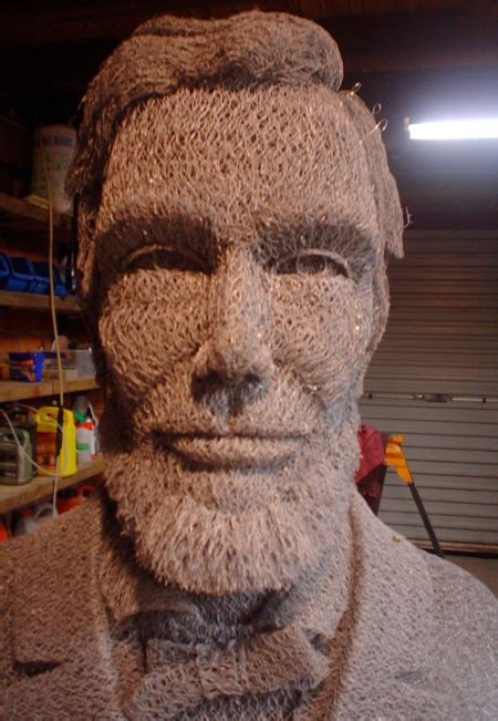 abraham lincoln vire 3d portraits made from chicken wire