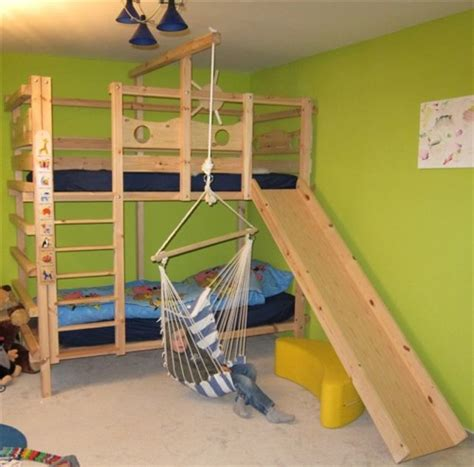 kinderbett unten schlafen oben spielen hochbett kinderbett etagenbett babybett abenteuerbett