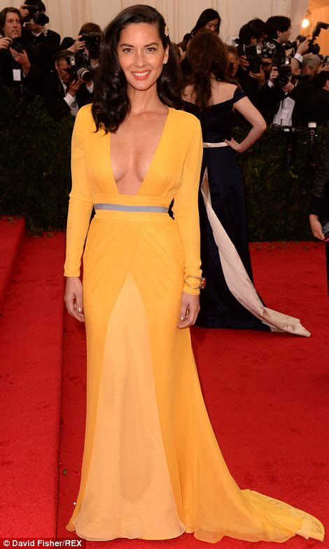 You Asked We Found Kate Walshs Yellow Dress by Carpet Photos From The 2014 Studded Met Gala In