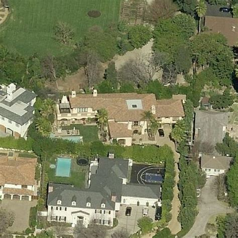 miley cyrus house miley cyrus house former in toluca lake ca google maps virtual globetrotting