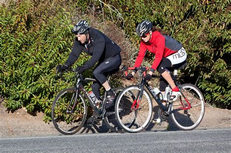 aaron eckhart goes on a bike ride 14 of 14 zimbio - Pch Bike Ride