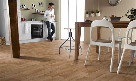 pavimento in vinile pavimento autoadesivo rivestimenti rivestimenti per