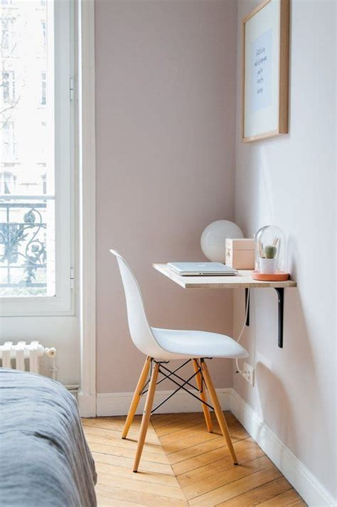 Desks For Small Rooms Best 25 Small Desk Space Ideas On White Desk Mail Organiser Home Command Station