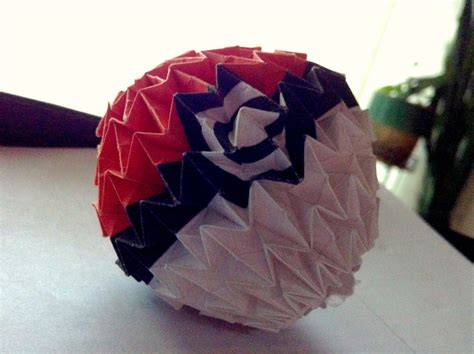Origami Pokeball - origami pokeball by mycatisawesome on deviantart