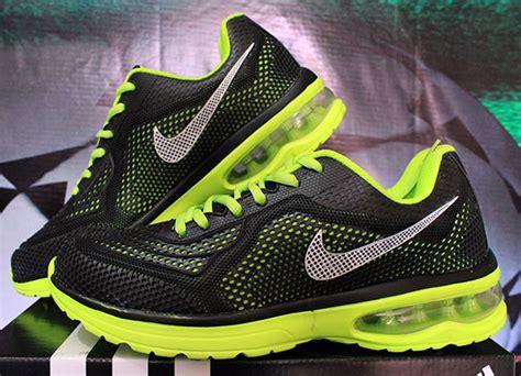 Sepatu Nike Running Cewek Hn2 2016 4 sepatu running nike air max
