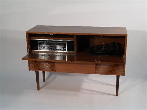 Cabinet Brun by Retrofactory Musical Cabinet Bruns