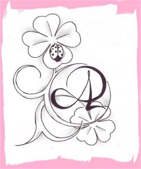 tatuaggi quadrifoglio con lettere a by angi z