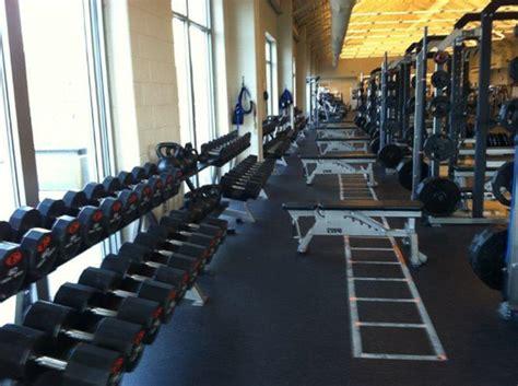 high school weight room the ensworth school weight room installation power lift
