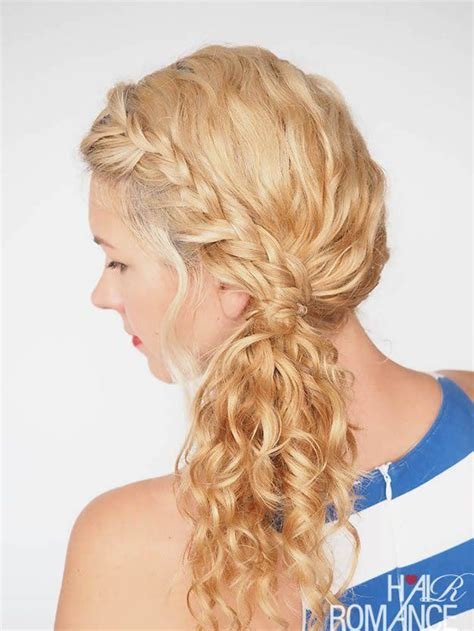 homecoming hairstyles curls best 25 curly homecoming hairstyles ideas on pinterest