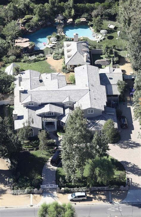 pics angelina jolie s hidden hills home inside lavish celebrity news angelina jolie s new hidden hills mansion