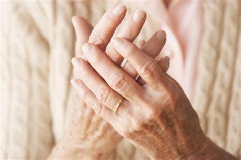 mal di testa al risveglio cause reumatismi cause sintomi diagnosi cura e rimedi