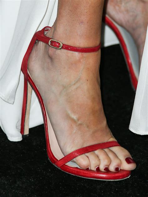 julie bowen celebrity foot and shoes