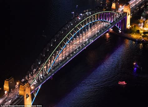 ocean city festival of lights lighting up the sails sydney s iconic opera house glows