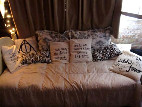 hunger games comforter set 50s bedroom on pinterest retro decorating vintage house