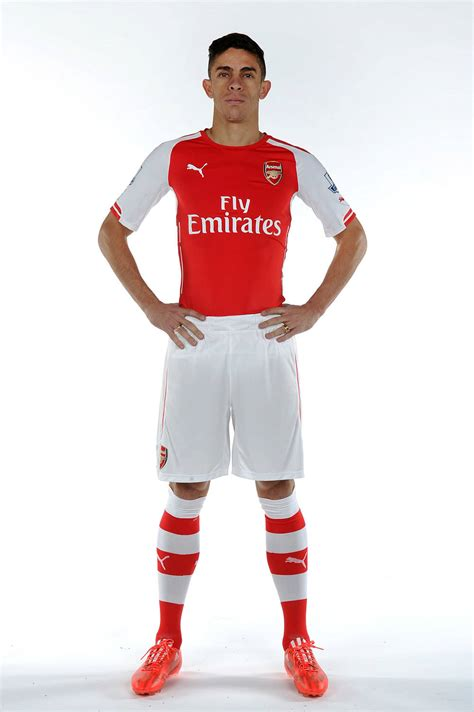 arsenal colors pictures gabriel in arsenal colours news arsenal