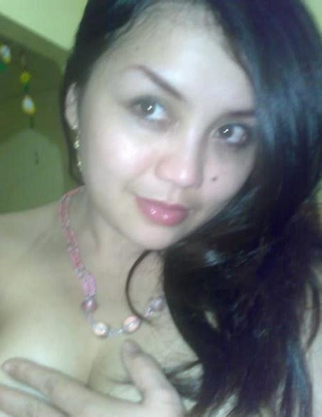 model indonesia cantik sexy bibi pembokat pembantu seksi