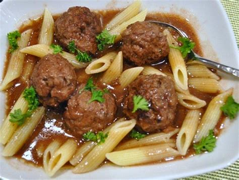 America S Test Kitchen Meatballs by Sacramento Valley Meatballs In Wine Gravy Whats Cooking America