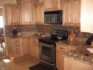 light maple kitchen cabinets plymouth maple cabinets