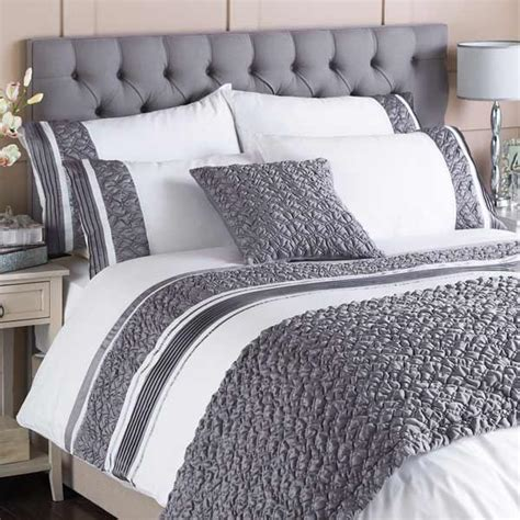 macy pleated pocket duvet cover set
