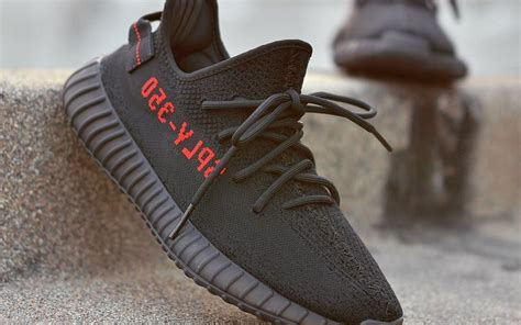 Grosir Adidas Yeezy Boost 350 V2 Bred 1 adidas yeezy boost v2 bred in sneakers