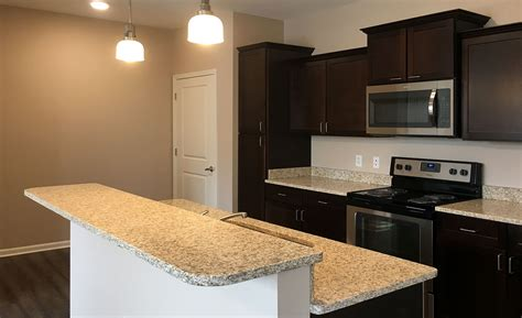 2 bedroom apartments kansas city summit crossing apartments and townhomes luxury three