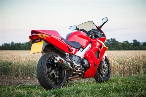 honda vfr 800 bike of the day honda vfr800 mcn