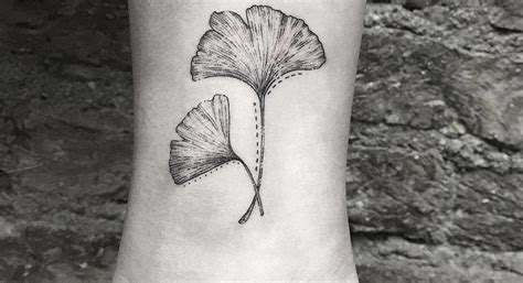 ginkgo leaf tattoo 24 gorgeous ginkgo leaf designs tattoobloq