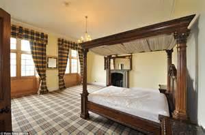 Extravagant Canopy Beds Westbury Castle Described As Wales Downton On Sale