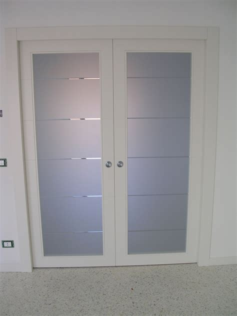 Bella Porta Vetri Scorrevole #1: Porta-scorrevole-a-due-ante-a-vetri-laccata.jpg