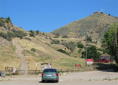 parking and table rock trailhead by idaho penitentiary