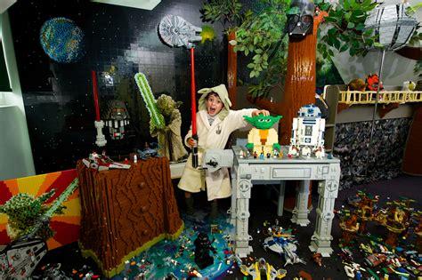 Dinosaur Bedrooms meet milun simpson lego star wars bedroom contest winner