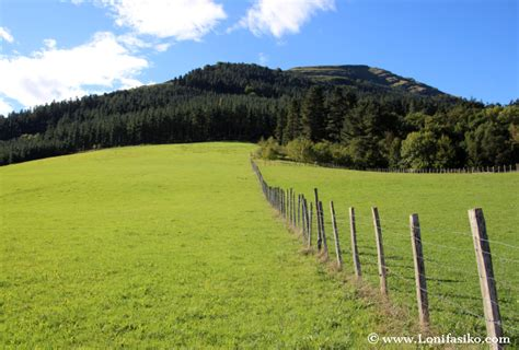 imagenes prados verdes embalse de urkulu en aretxabaleta paseo en familia en