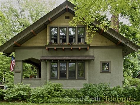 bungalow craftsman homes a craftsman bungalow seeded earth photo