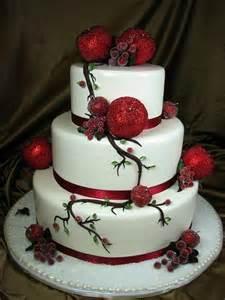 Adorable Christmas Wedding Cakes Weddingomania » Ideas Home Design