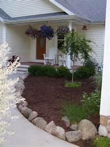 Landscape Edging By Sidewalks 25 Beautiful Sidewalk Edging Ideas On Lawn