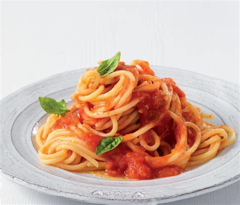 come si cucina la pasta al sugo come si fanno gli spaghetti al pomodoro
