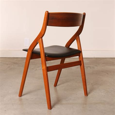 Folding Dining Chairs Set Of Four Dyrlund Modern Teak Folding Dining Chairs At 1stdibs