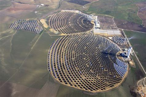 Worlds Largest Planter by World S Largest Solar Tower Now Powers 10 000 Homes