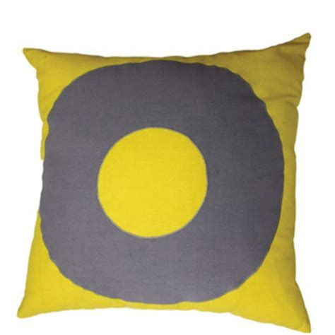 mulberi tictactoe ring yellow cushion